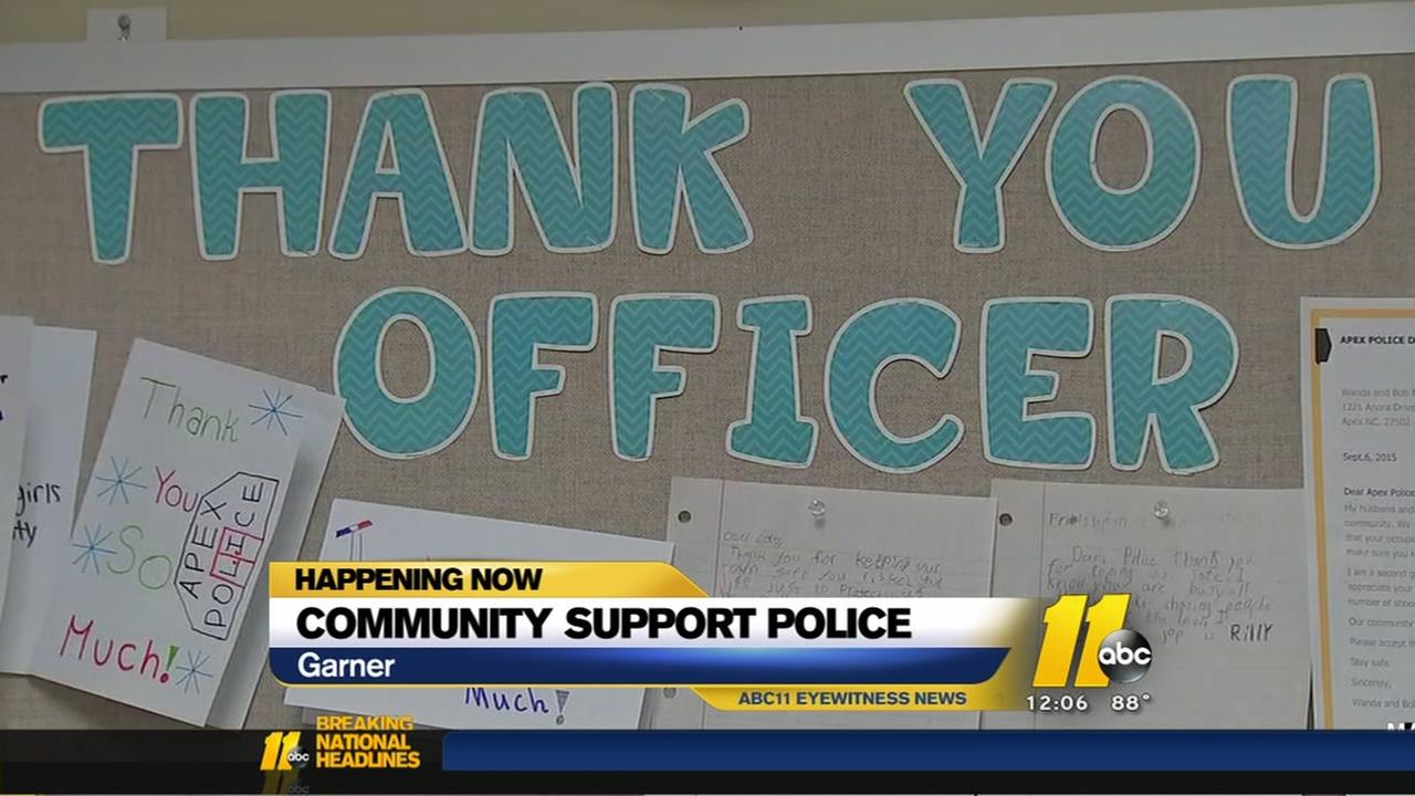 Residents thank local police departments in wake of shootings