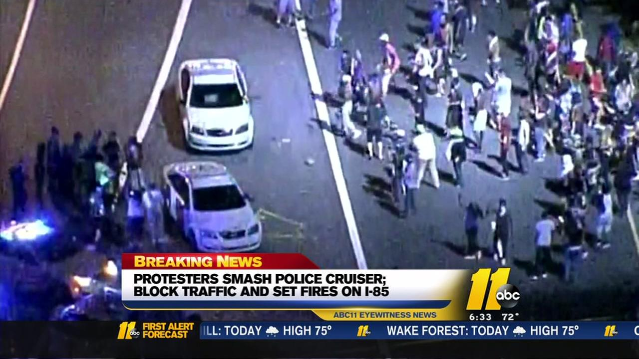 Violent protests erupt in Charlotte after deadly police shooting