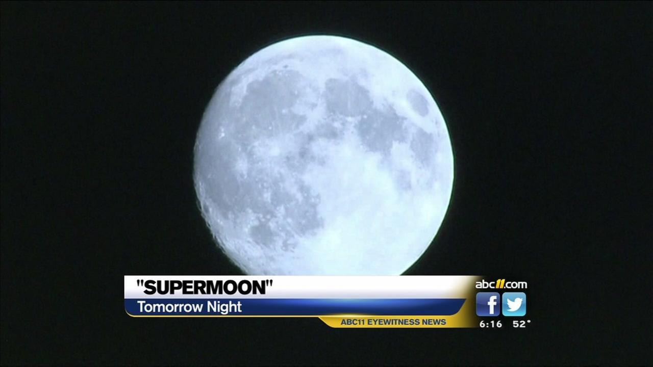 Super moon at its peak