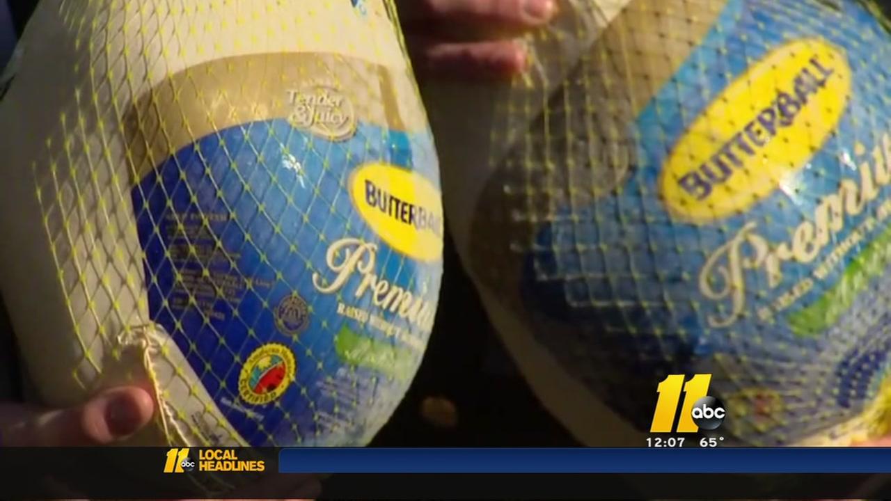 Raleigh Rescue Mission gets turkeys
