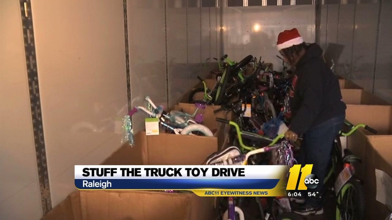 Raleigh motorcycle group donates toys to kids