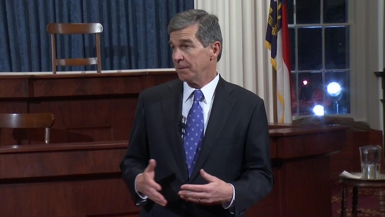 Roy Cooper sworn in as governor