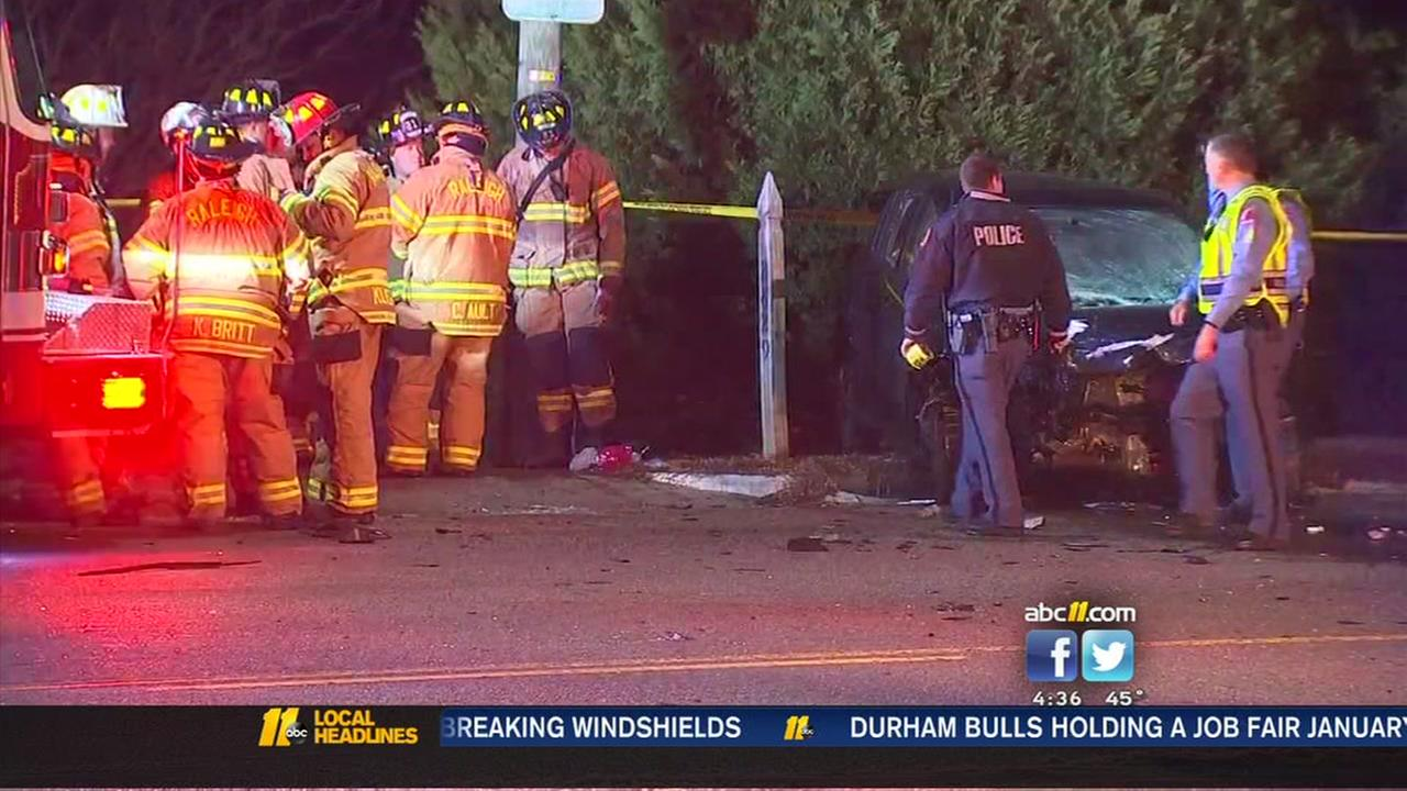 At least 1 hurt in 2-car crash in Raleigh