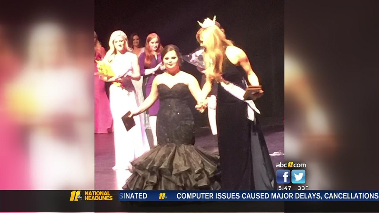 Chapel Hill student with Down syndrome receives award in Miss Clemson University pageant