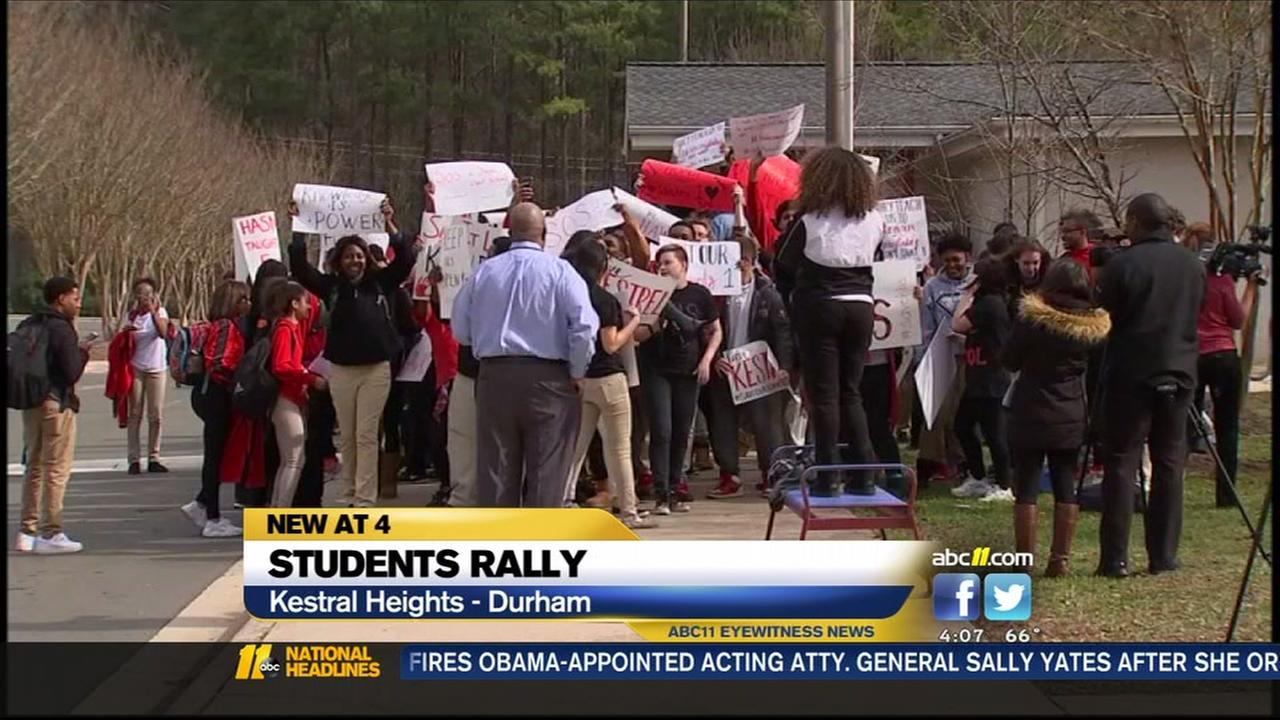 Students rally in support of Kestrel Heights