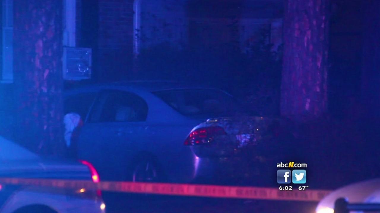 Gunshot victim dies after crashing into house