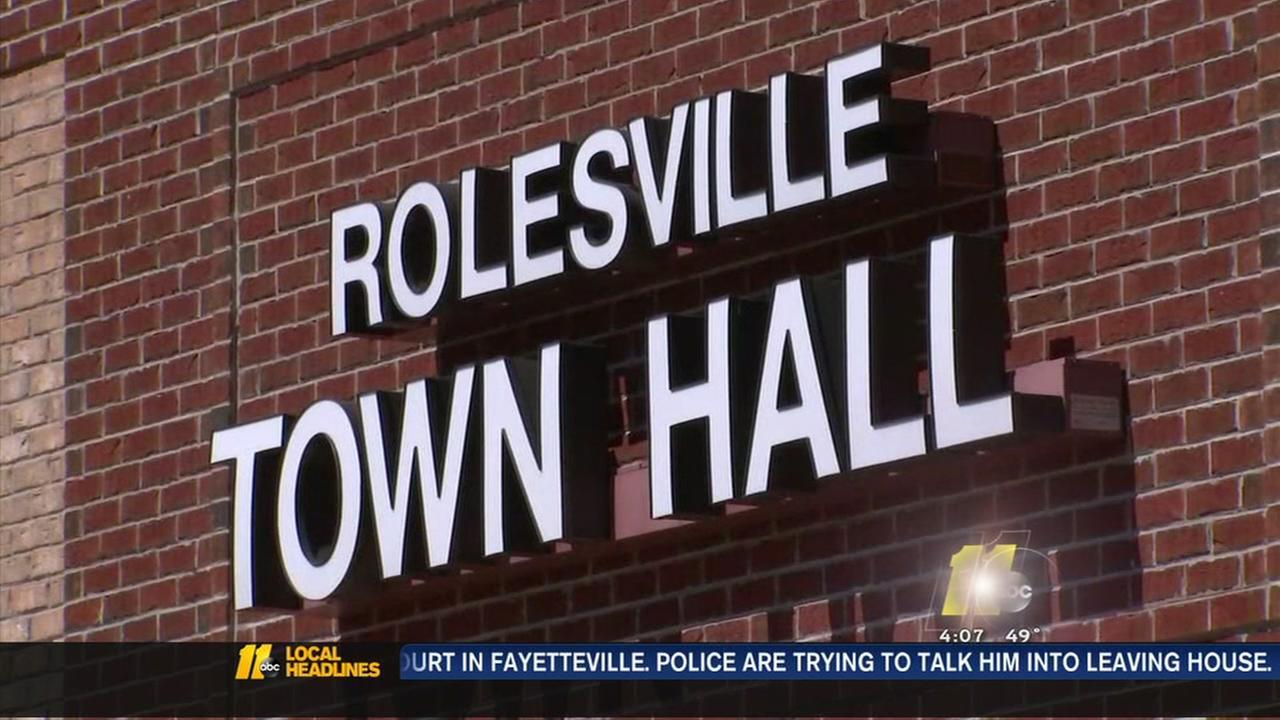 Rolesville leaders host meeting on school fight video