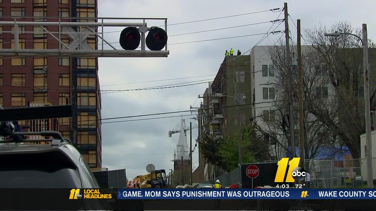 Apartments damaged in Raleigh fire robbed