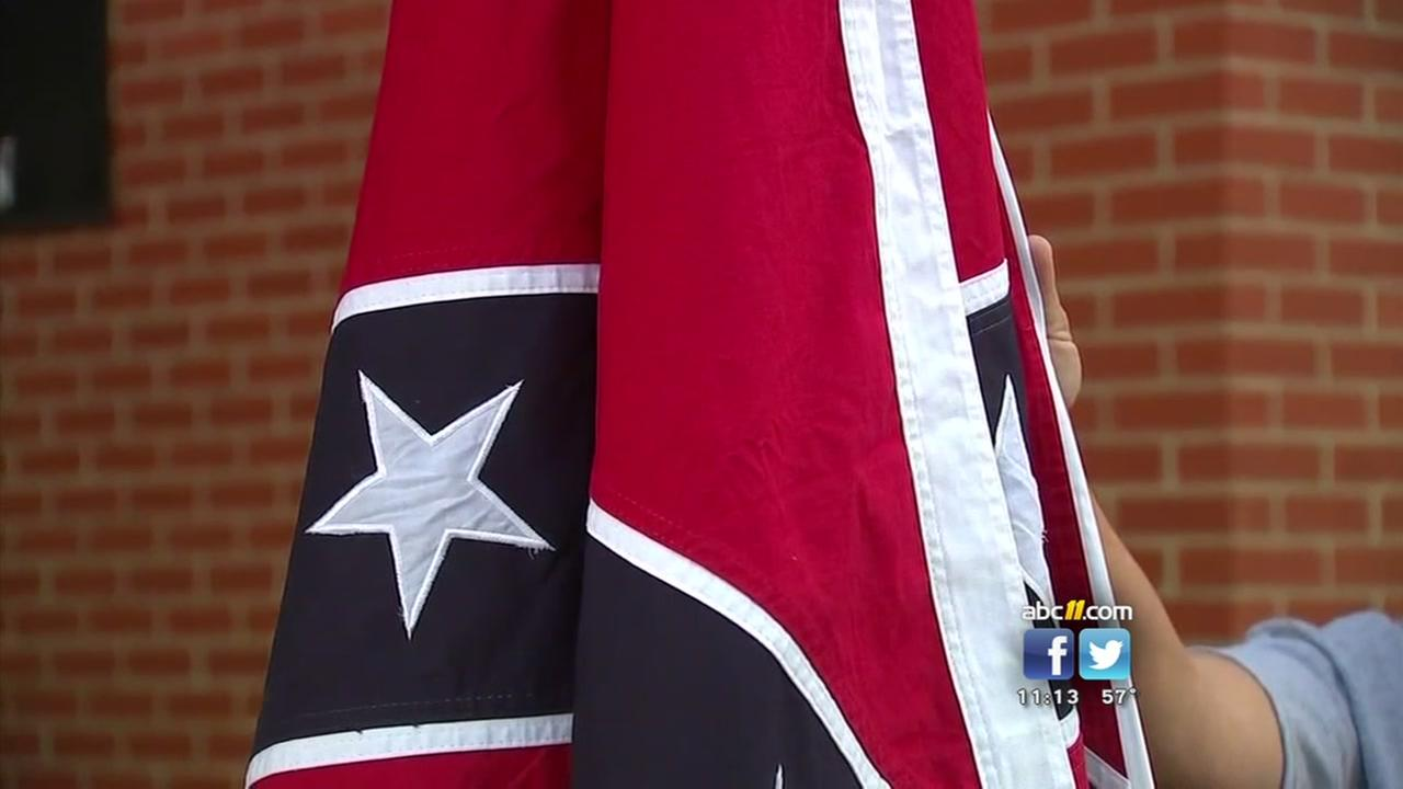 Confederate symbols in schools topic of town hall