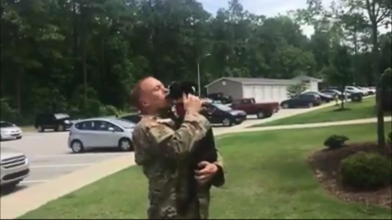 Watch this soldiers warm welcome home from his dog