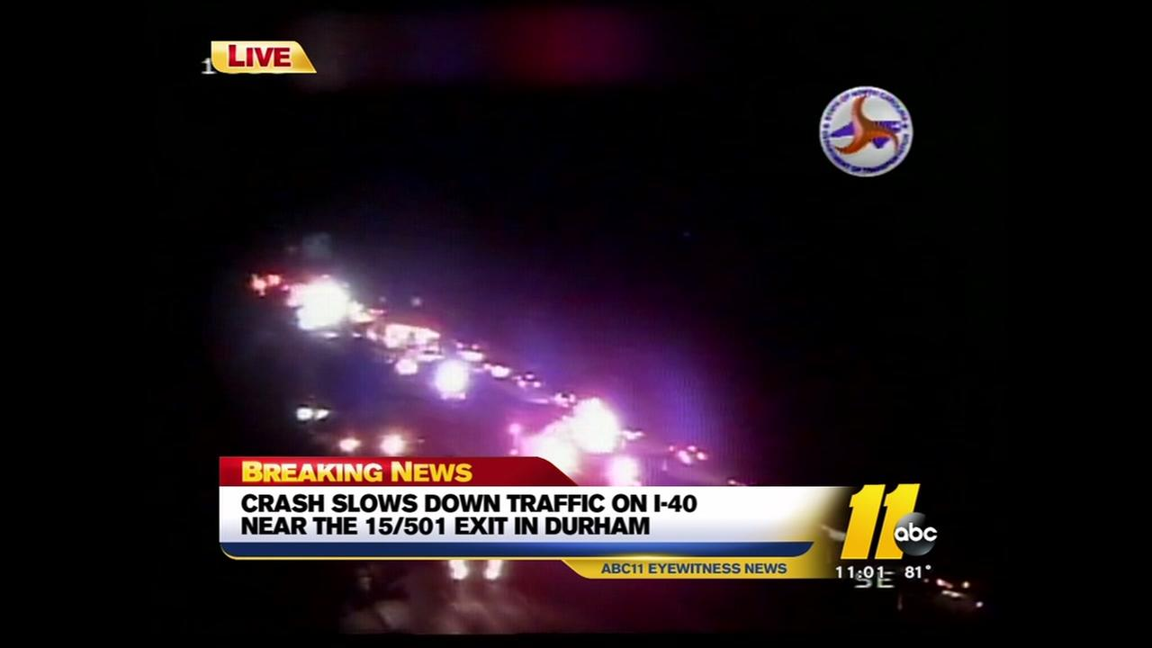 Crash bogs down traffic on I-40 in Durham