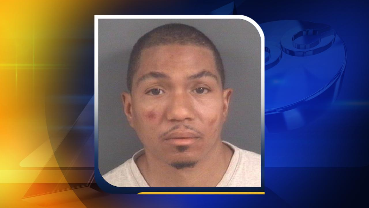 Man arrested, accused of exposing himself at a Hooters and Food Lion