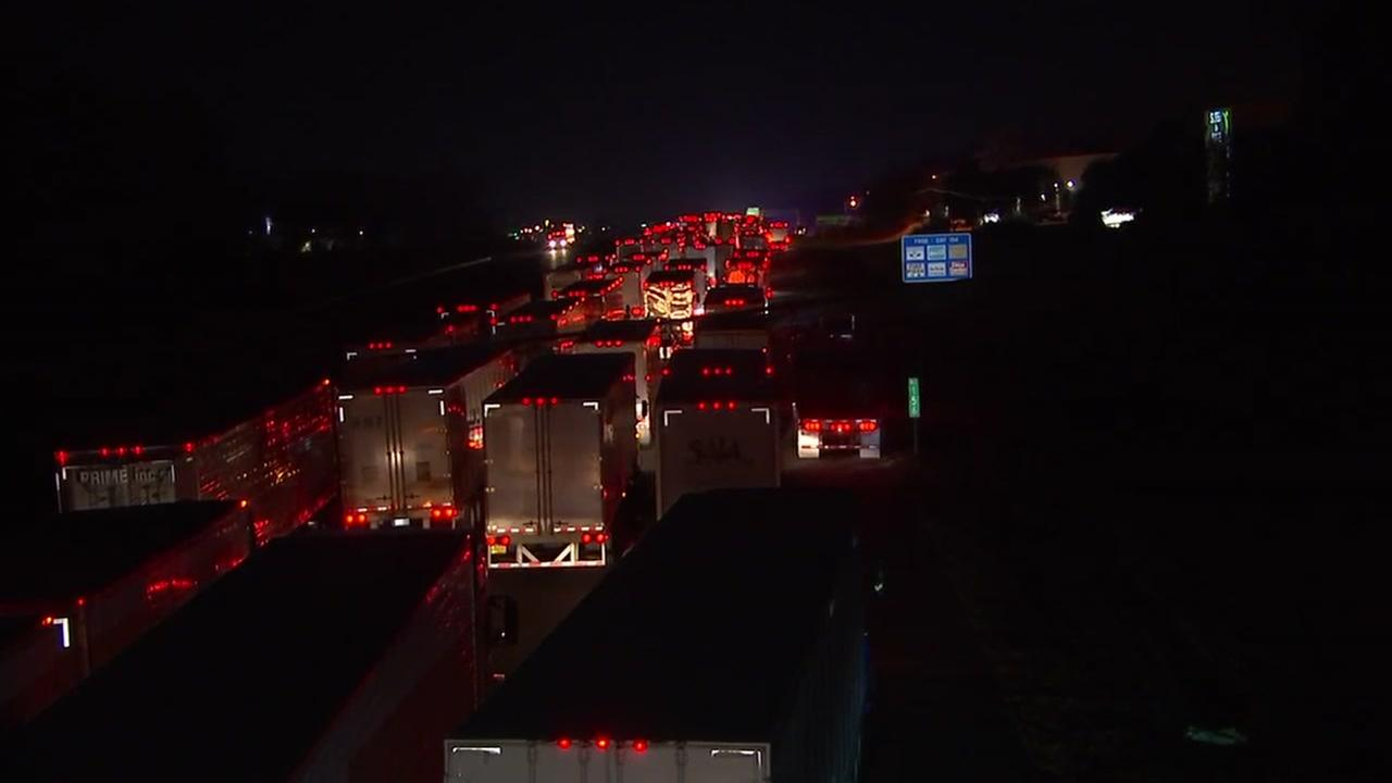 Crash shuts down I-40/I-85 in Orange County