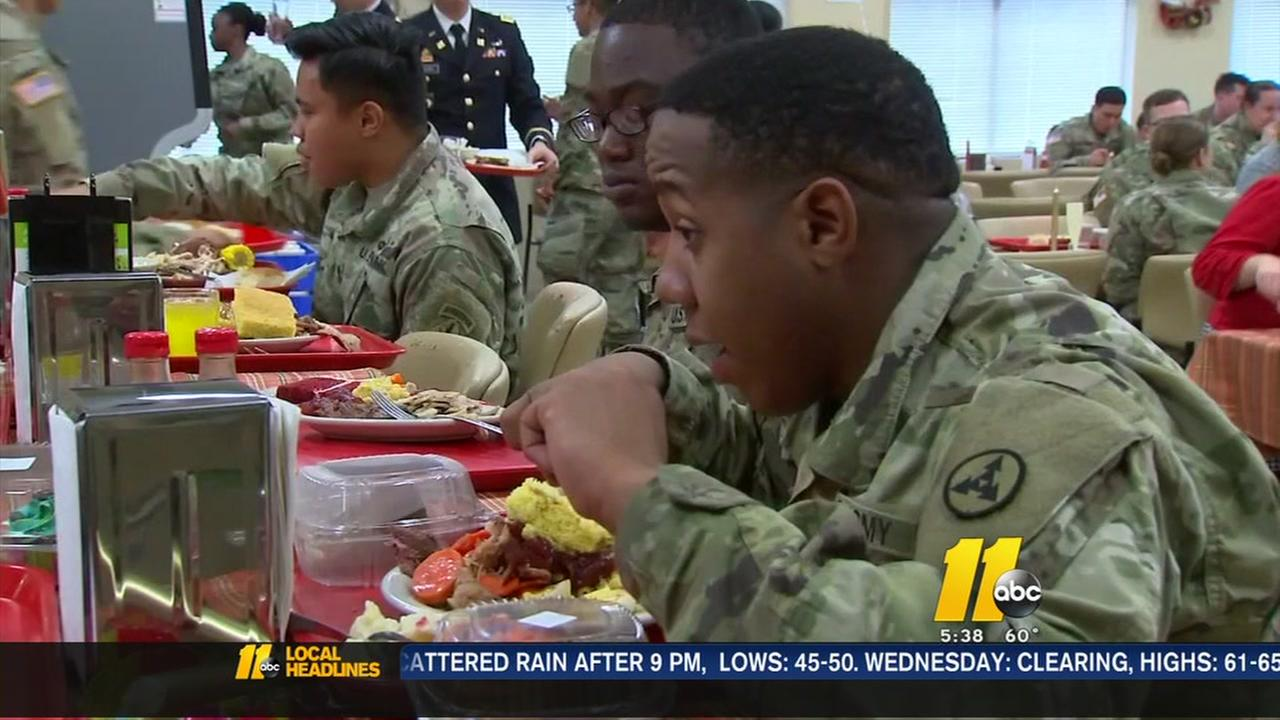 Fort Bragg soldiers enjoy Thanksgiving meal