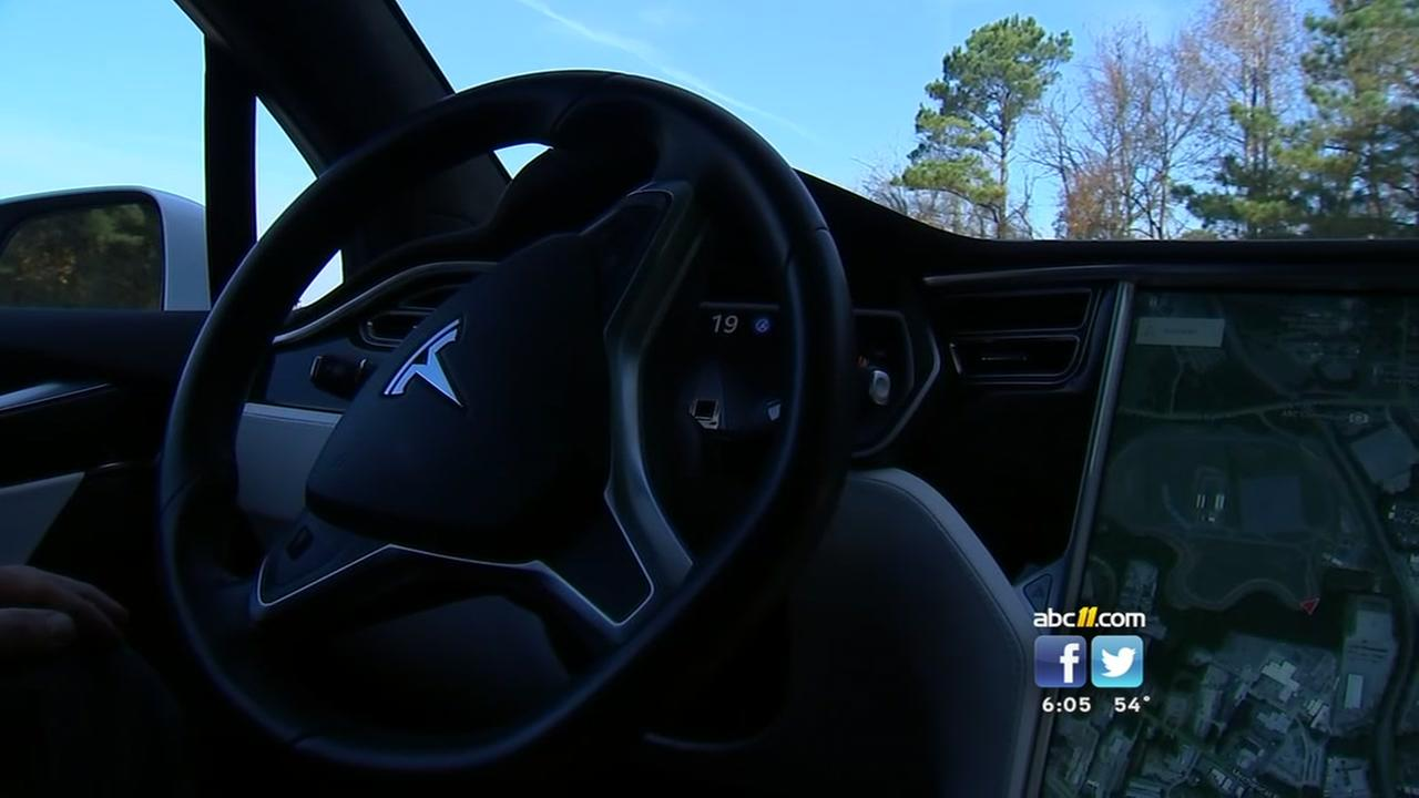 Lawmakers test out driverless cars