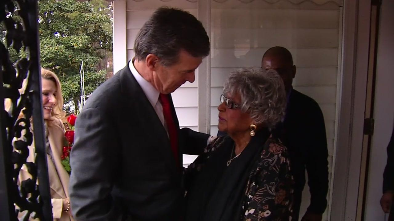 Gov. Roy Cooper delivers 9 millionth Meals on Wheels for Wake County