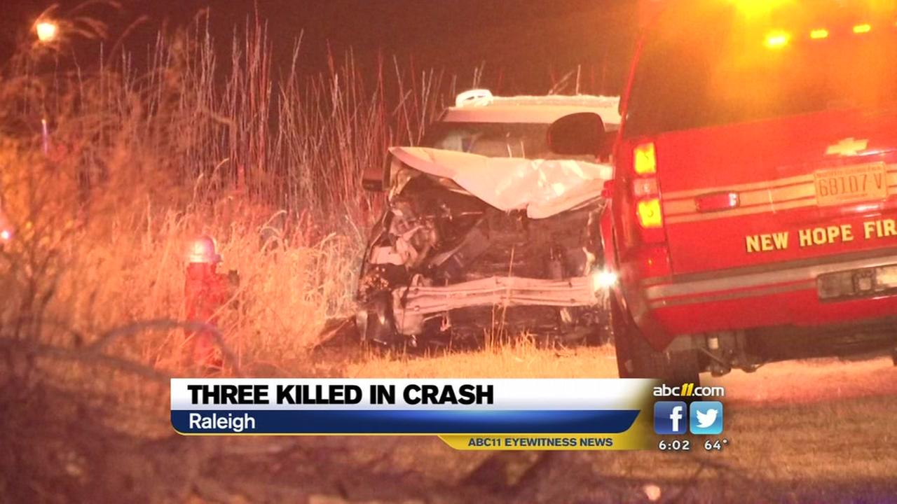 Troopers: 3 killed, 2 injured in Raleigh crash