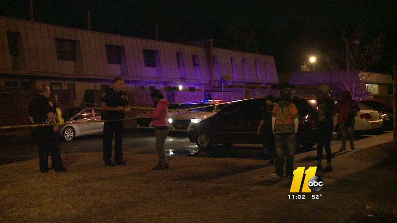 Pregnant woman, man shot at Durham apartments