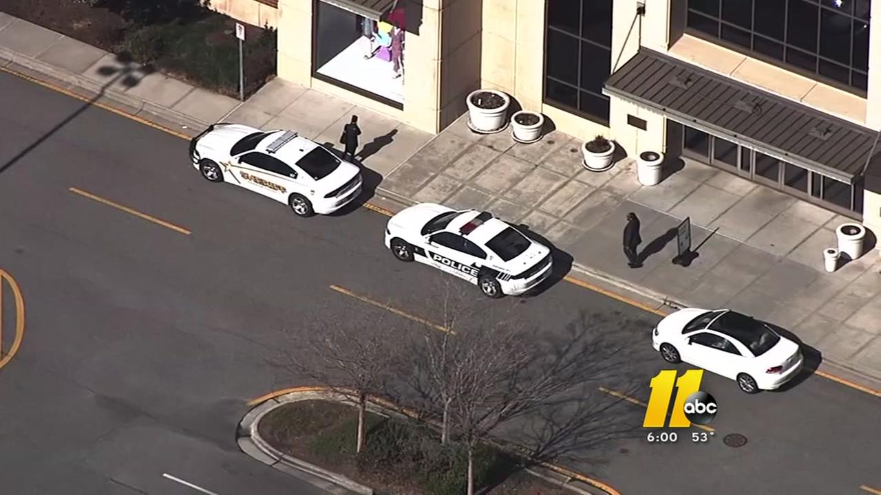Bomb threat delays opening of Streets at Southpoint