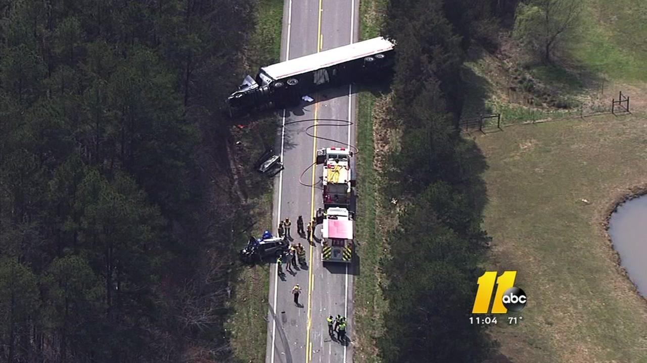 1 dead, 2 injured in crash on NC 57