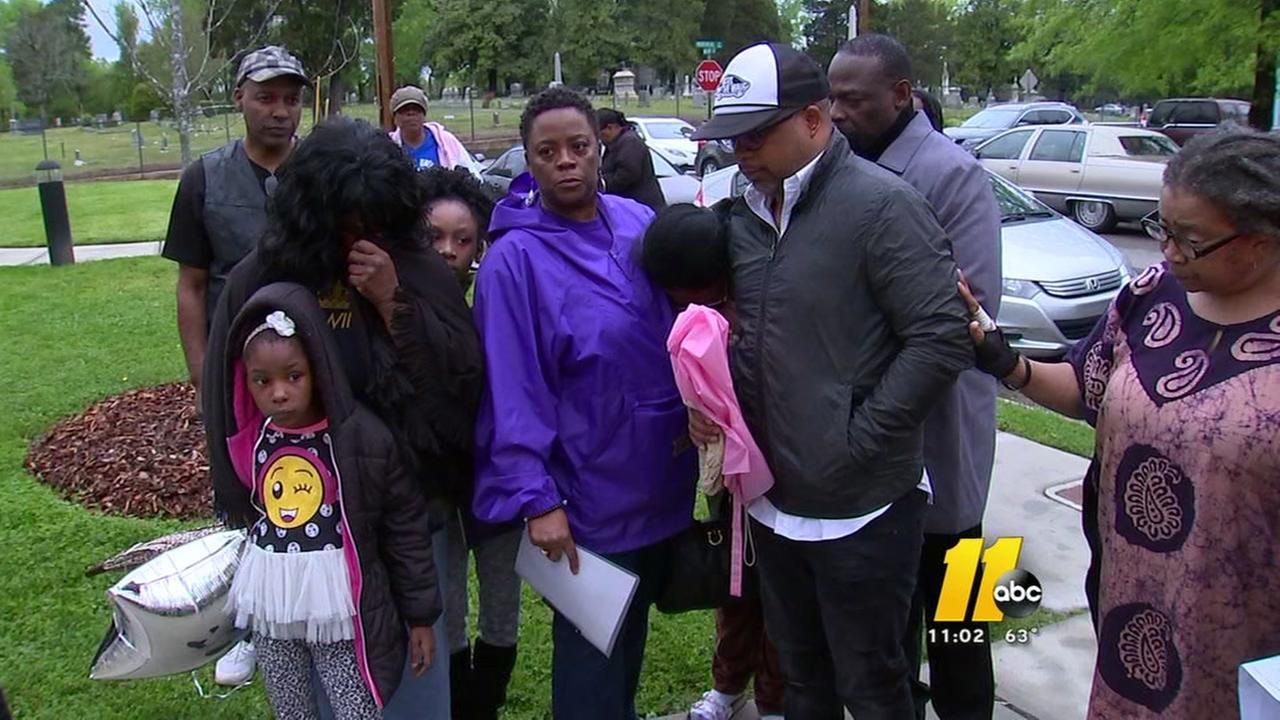 Vigil held for slain Durham man