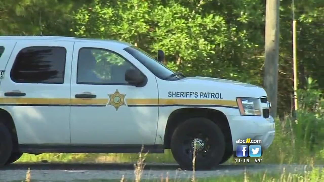20-year-old man found dead in shallow grave in Sampson County