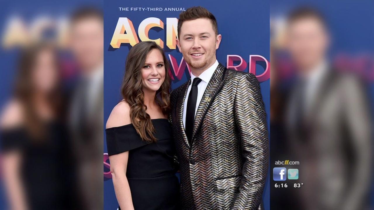 Scotty McCreery marries longtime girlfriend Gabi Dugal in North Carolina