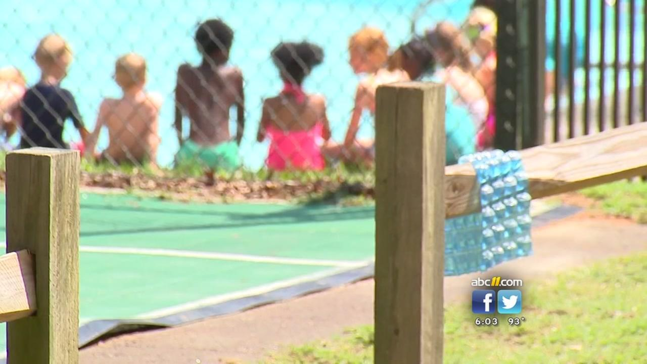 Camps adjust schedules in heat to protect kids