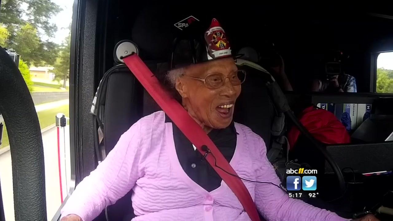Holly Springs woman celebrates her 103rd birthday just how she wanted