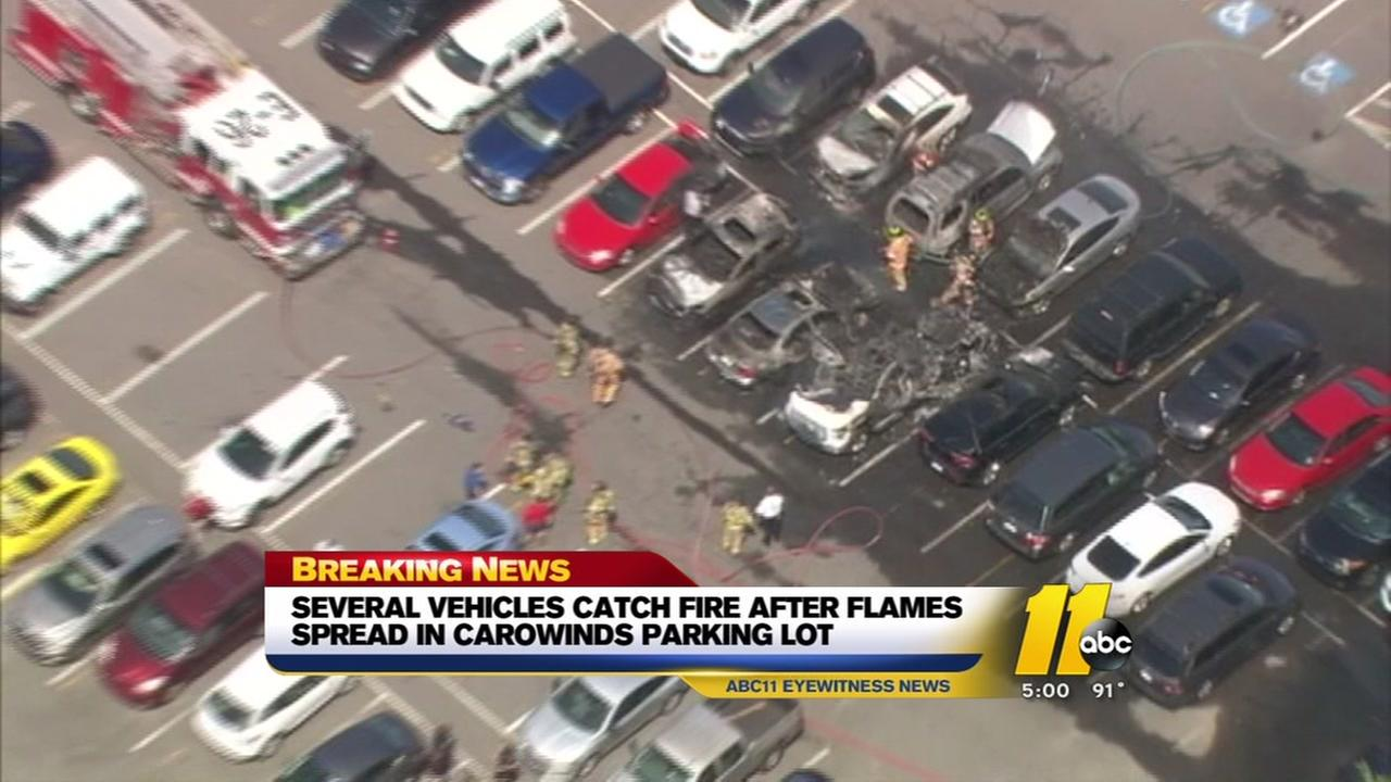 Fire spreads to several cars in Carowinds parking lot