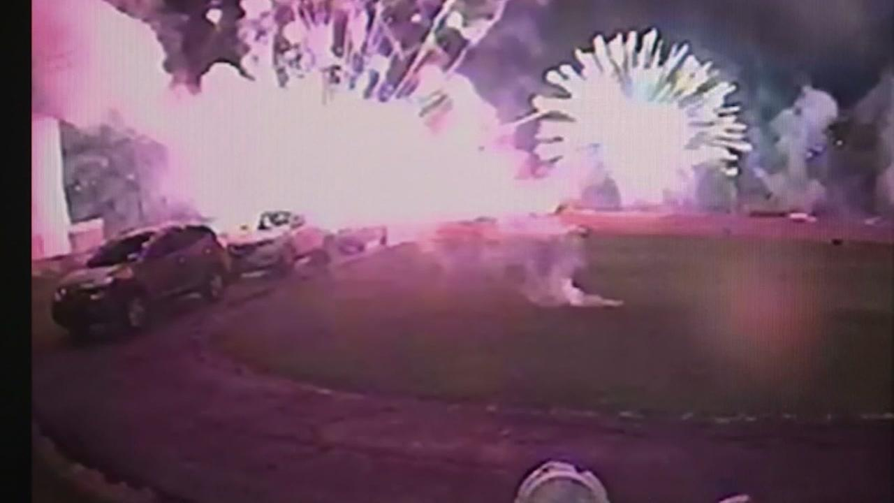 4 injured during fireworks show in Oklahoma