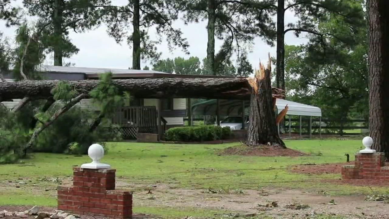 Overnight storm leads to damage in Harnett and Johnston counties