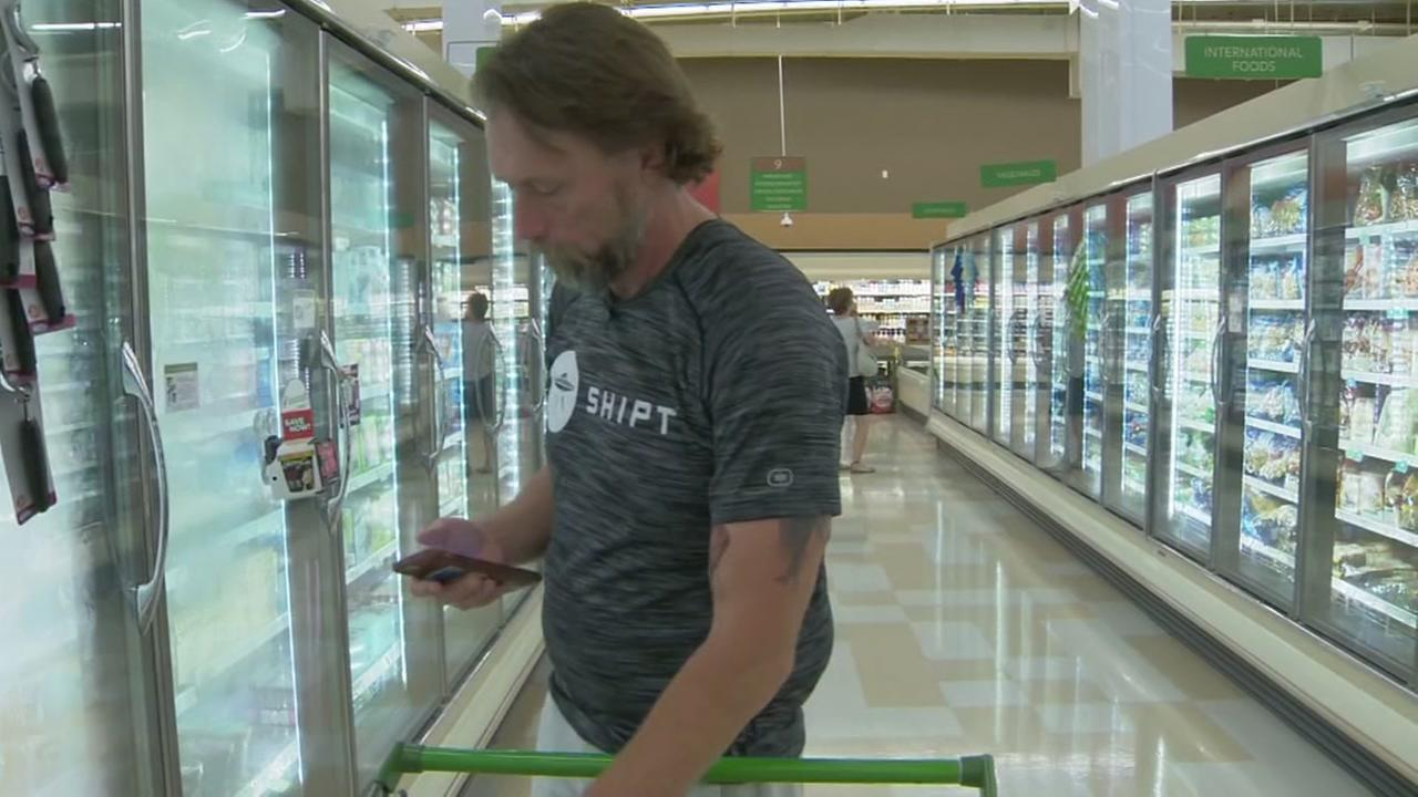 Florida teacher quits job to become full-time shopper