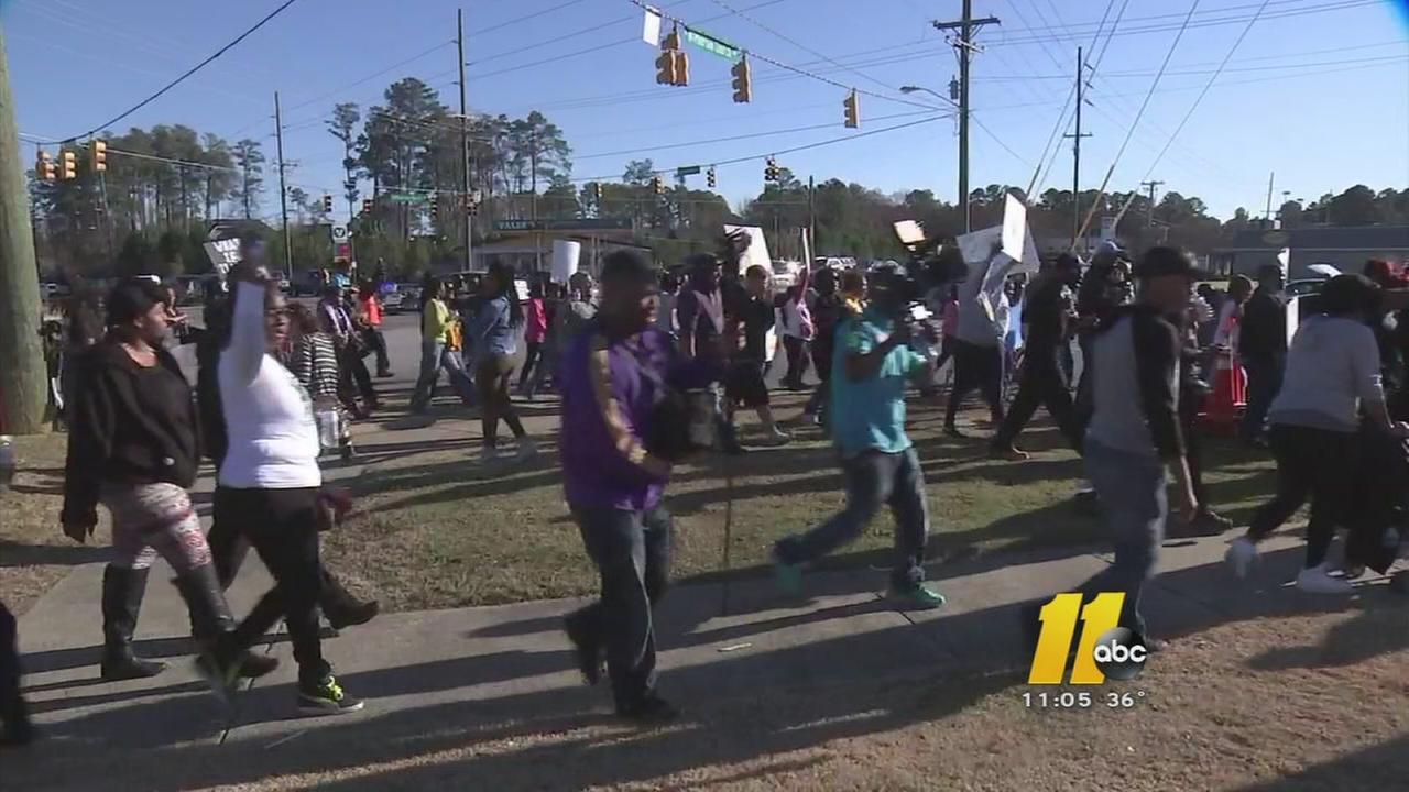 Fayetteville unity march draws hundreds, blocks traffic