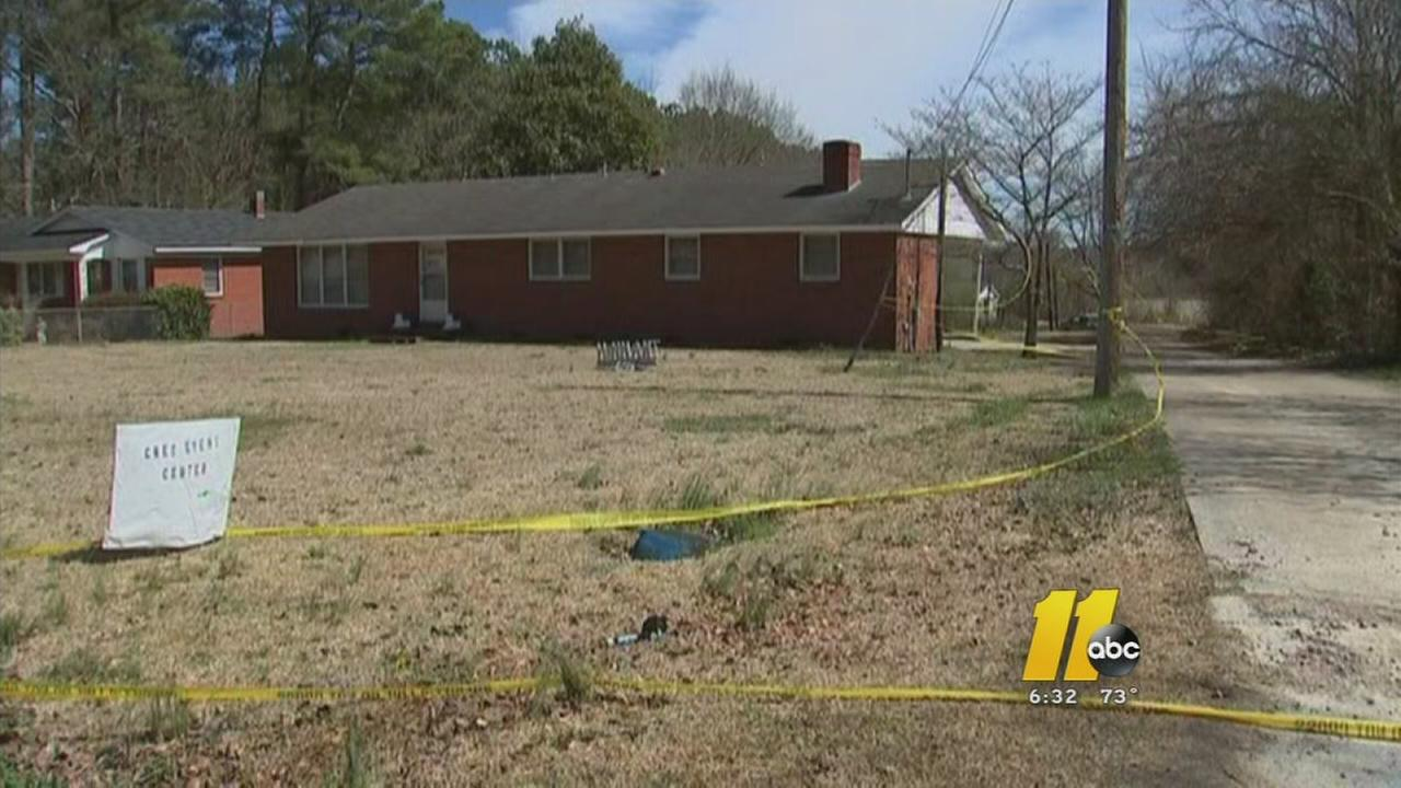 Police: 4 shot in Harnett County