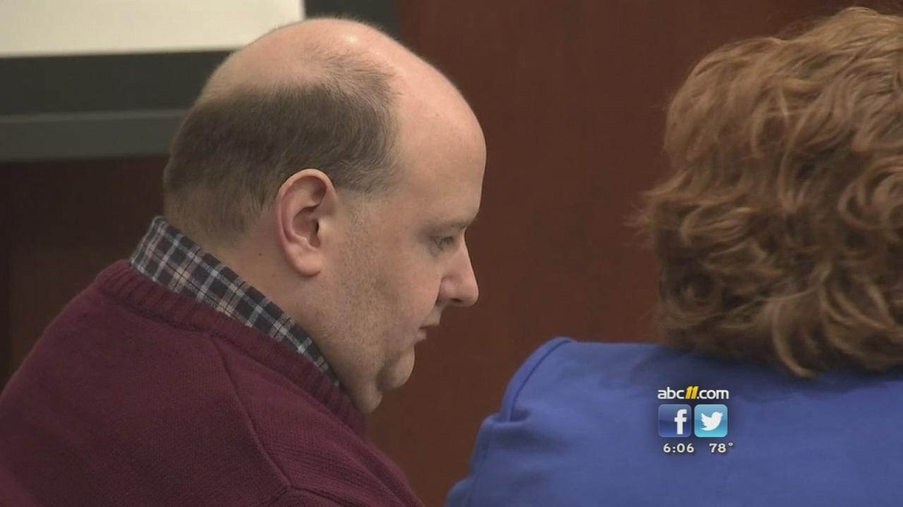 Broyhills mother testifies at murder trial
