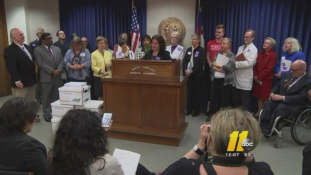 Advocates call for North Carolina to expand Medicaid