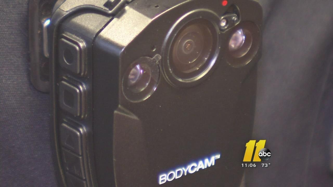 Residents question police about bodycams