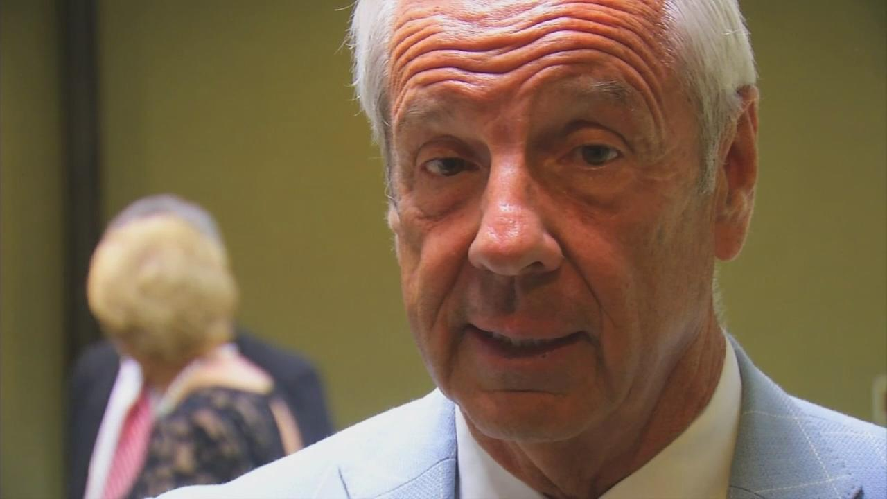 Roy Williams weighs in on unresolved NCAA investigation
