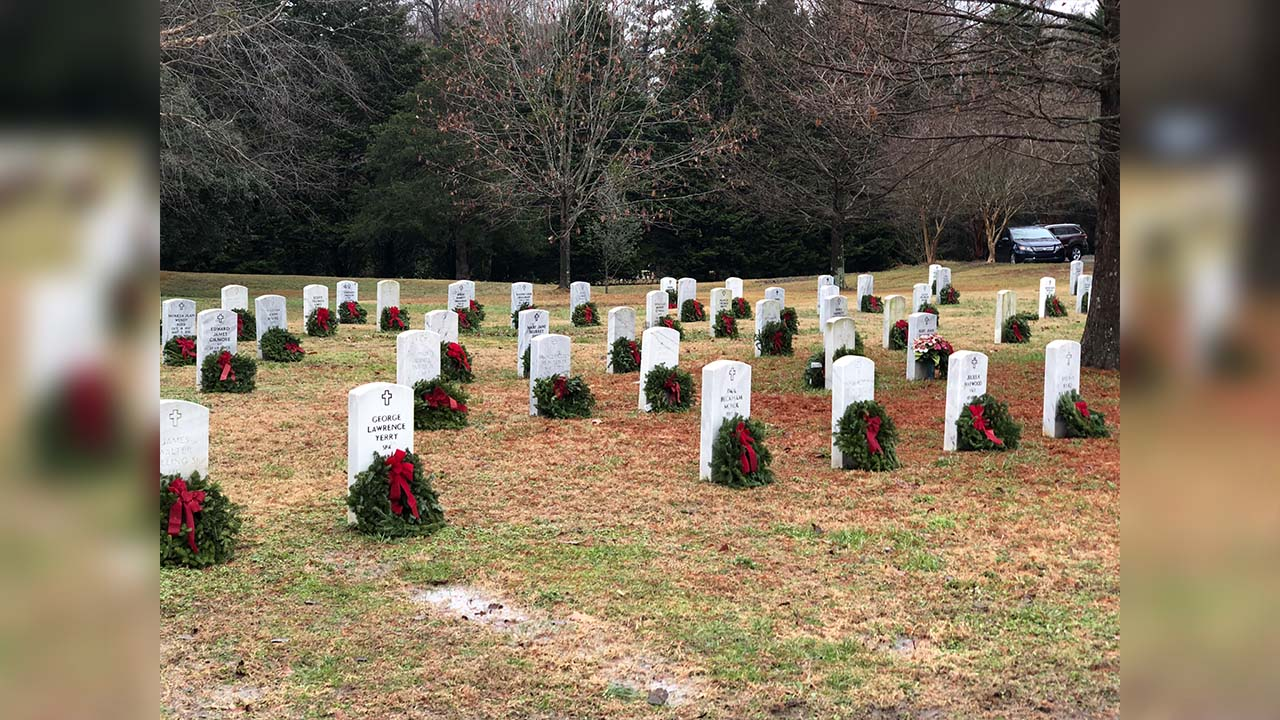 Over 1,100 wreaths placed at Historic Oakwood Cemetery Field of Honor