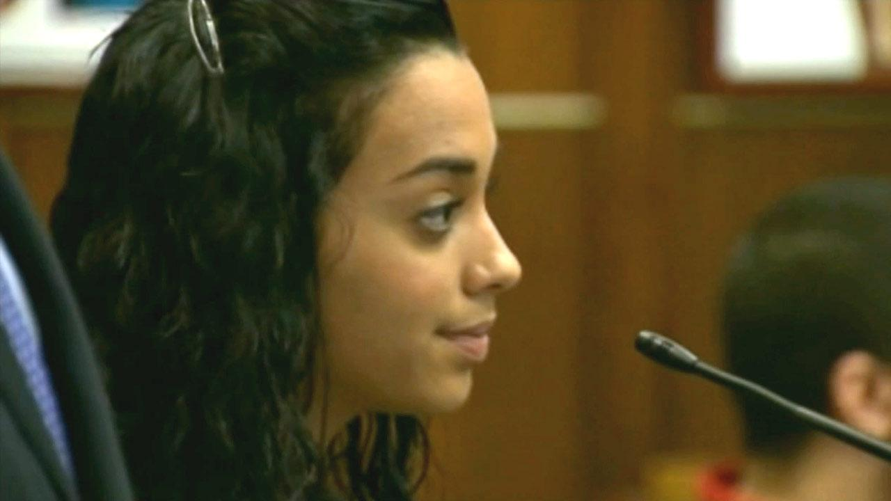 Penelope Soto, a Florida woman, got herself a month in jail after cursing out a judge and showing him the middle finger.