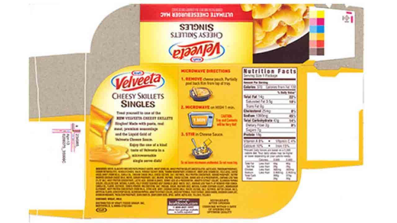 The Kraft Velveeta Cheesy Skillets Singles Ultimate Cheeseburger Mac label is seen.