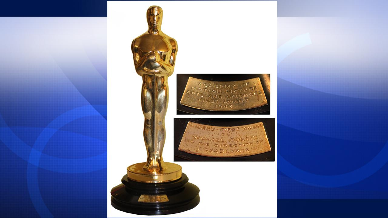 The Oscar statue awarded to Michael Curtiz for Best Direction of the 1943 film Casablanca, is pictured.