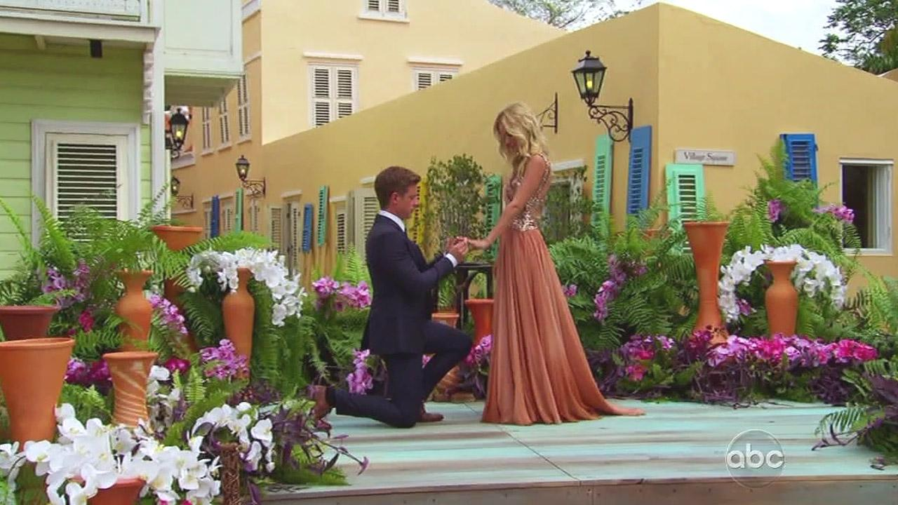 On the Season 8 finale of The Bachelorette, Emily Maynard is proposed to by the man she chose, Jef Holm.