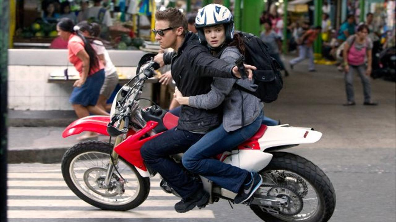 Still of Jeremy Renner and Rachel Weisz in the 2012 film The Bourne Legacy.