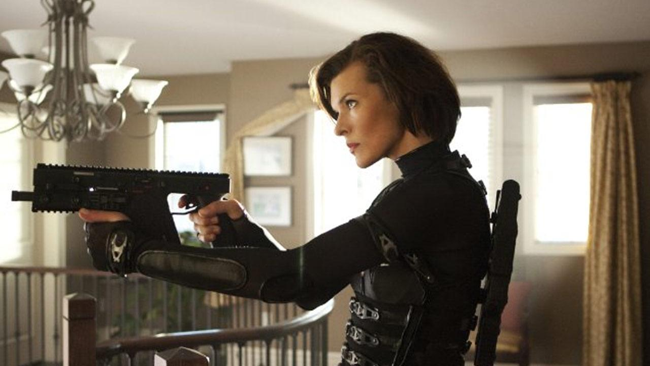 Still of Milla Jovovich in the 2012 film Resident Evil: Retribution.