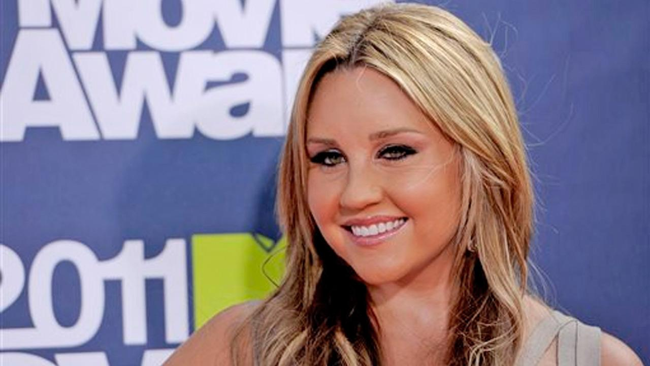 Amanda Bynes appears at the 2011 MTV Movie Awards in Los Angeles on June 5, 2011.