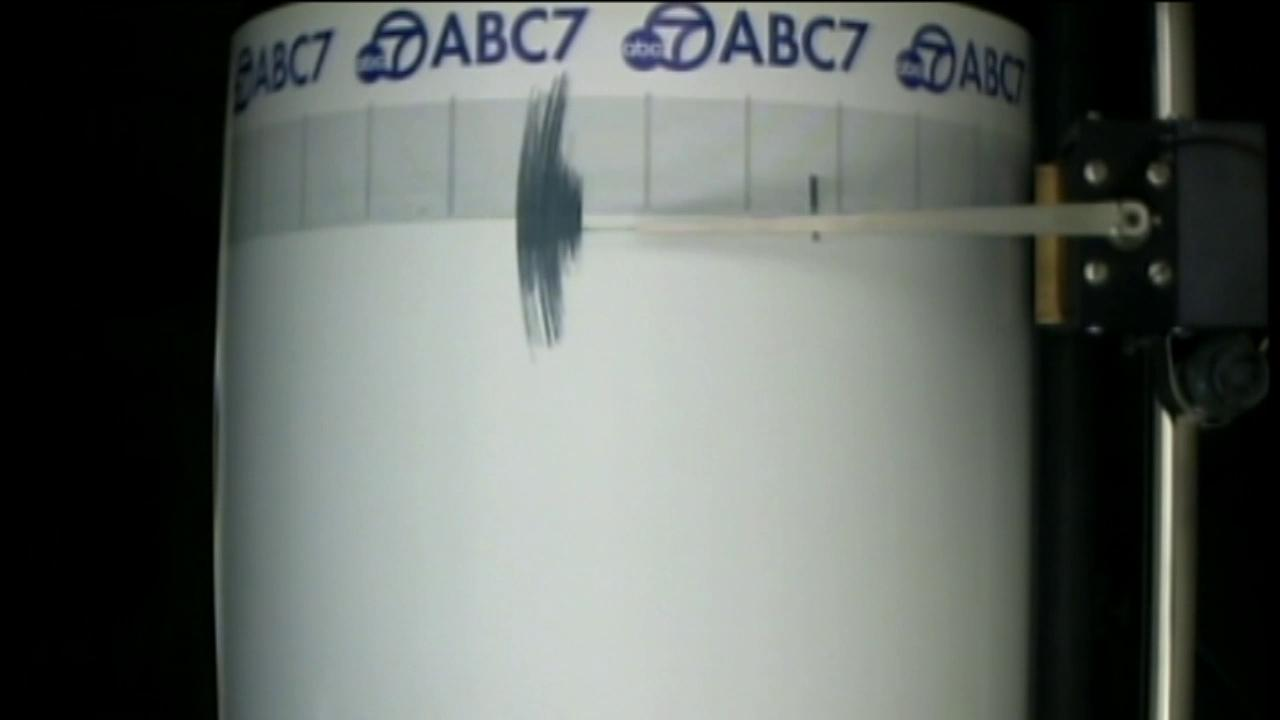 Shaking from a 3.5-magnitude earthquake in the Big Bear area was caught on the ABC7 Quake Cam on Thursday, July 5, 2012.