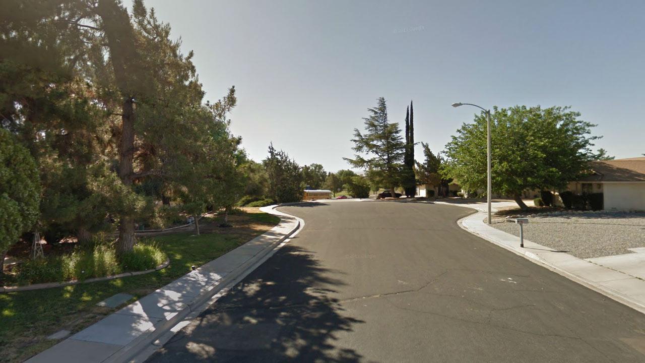 Dead end, 13900 block of Smoke Tree Road