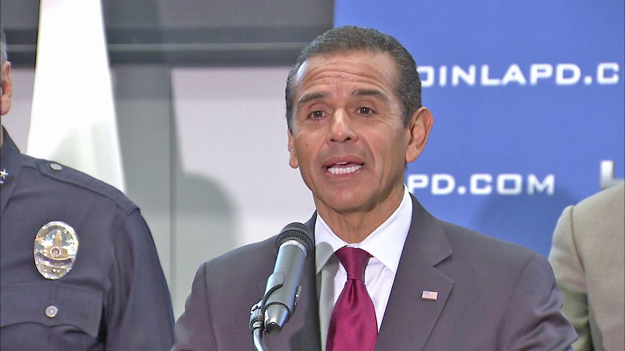 Los Angeles Mayor Antonio Villaraigosa is seen at a press conference in this undated file photo.